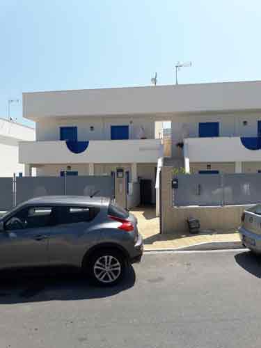 Parcheggio Blue House
